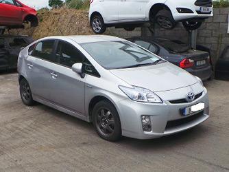 11-Toyota-Prius